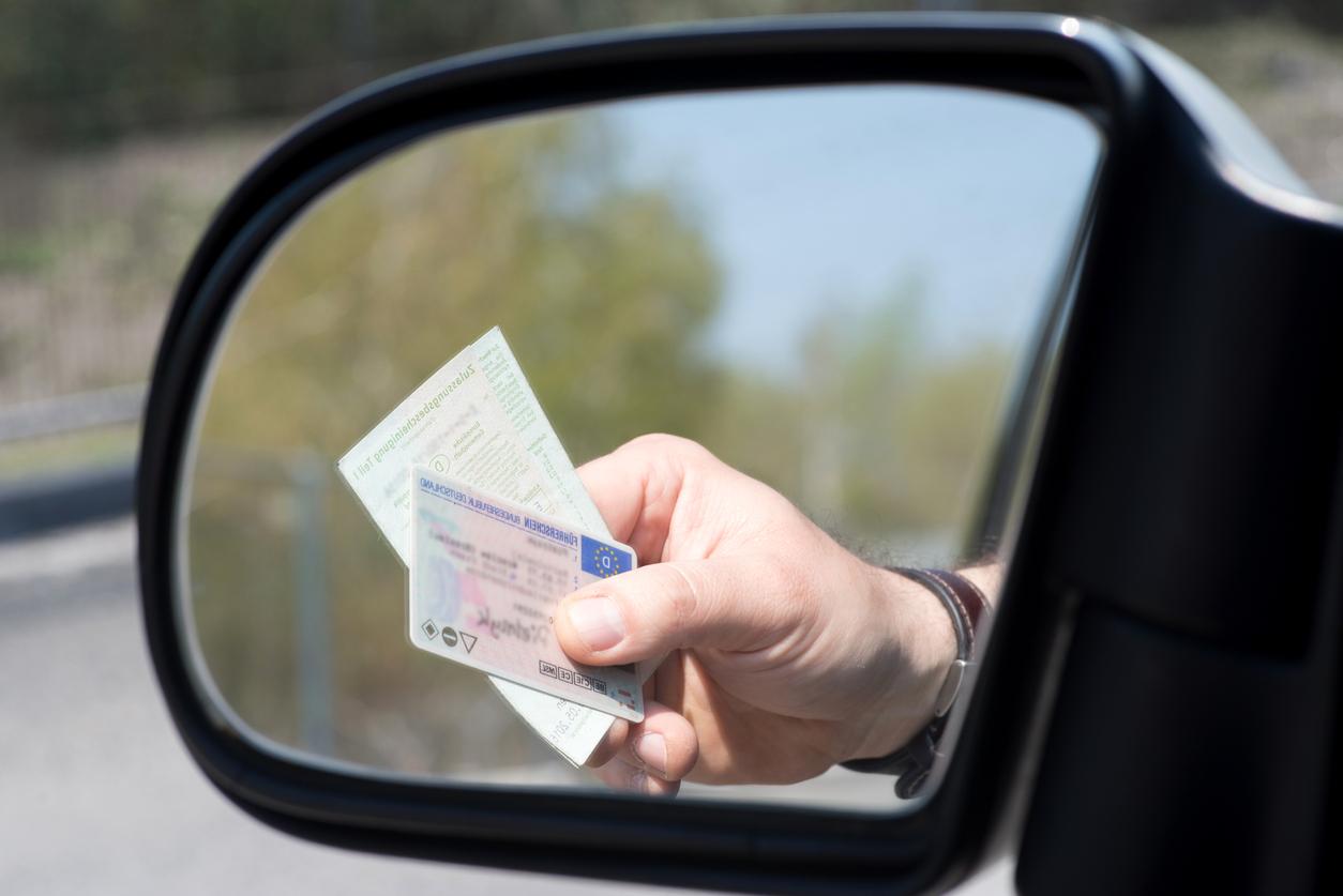 500 Euro Bußgeld: 62-Jähriger fuhr Enkel zu spät nach Hause