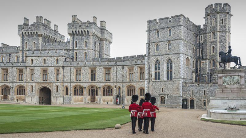 Queen ordnet Zivilkleidung für Royals bei Bestattung von Prinz Philip an