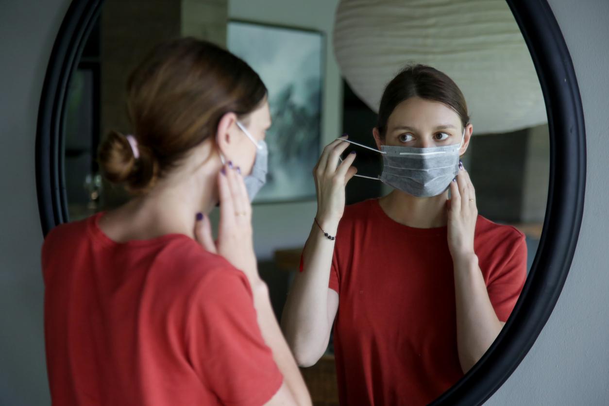 Neue WHO-Empfehlung:Maske kann auch zu Hause sinnvoll sein