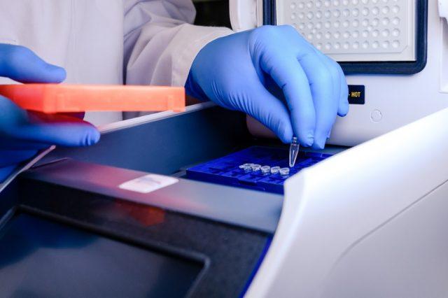 Wissenschaftler fordern Widerruf von PCR-Test-Studie von Corman und Drosten