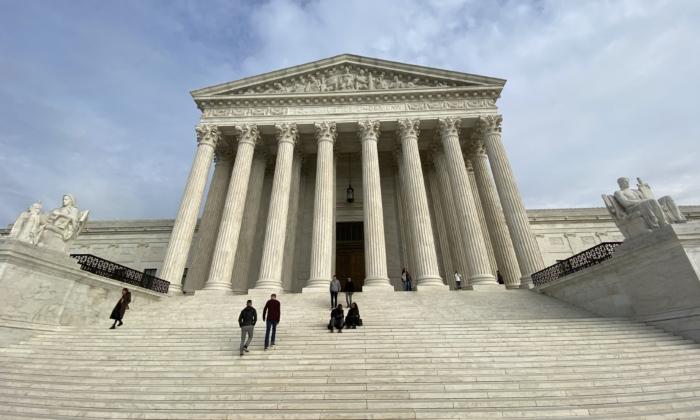 17 Staaten und Trump schließen sich Klage von Texas am Obersten Gericht an