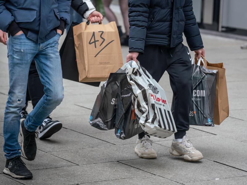 Handel fürchtet monatelangen Lockdown nach Weihnachten