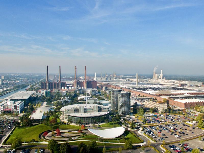 Corona: Volkswagen drosselt Produktion im Wolfsburger Werk