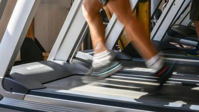 Anklage wegen versuchter gefährlicher Körperverletzung: Mann war während Corona-Quarantäne im Fitnessstudio