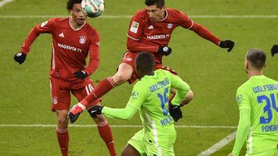 Torjubilar Lewandowski führt Bayern gegen Wolfsburg zum Sieg