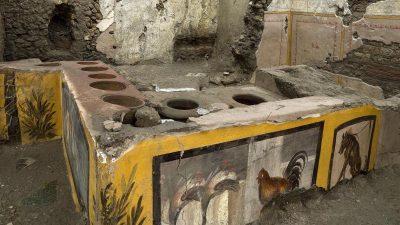 """Forscher graben antike """"Snackbar"""" in Pompeji aus"""