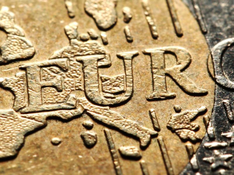 Fast 200 Kreditinstitute geben Negativzinsen weiter
