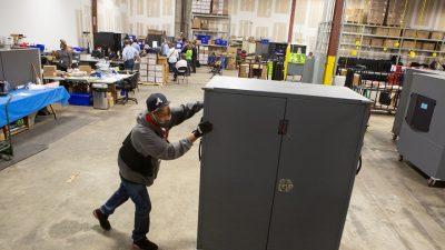 """Ex-CIA-Mitarbeiter: 400 Sicherheitsexperten untersuchen """"Unregelmäßigkeiten"""" bei US-Wahl"""
