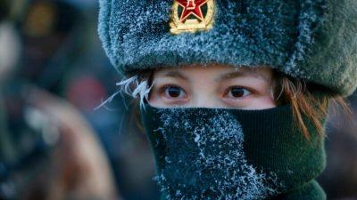 China stattet Soldatenhelme mit Selbstzerstörungsknopf aus