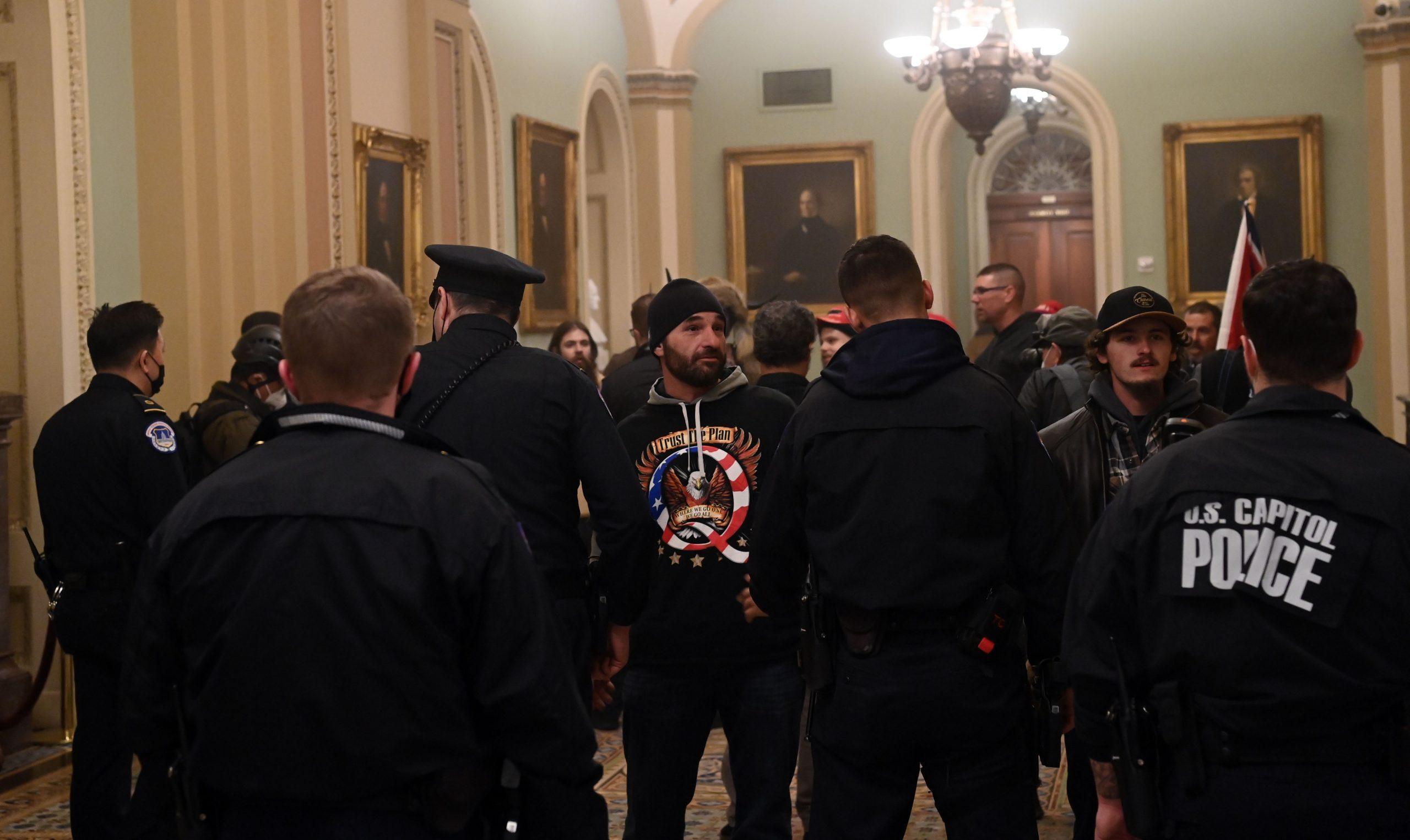"""Gesichtserkennungssoftware soll Antifa-Mitglieder identifiziert haben – """"Washington Times"""" zieht Aussage zurück"""