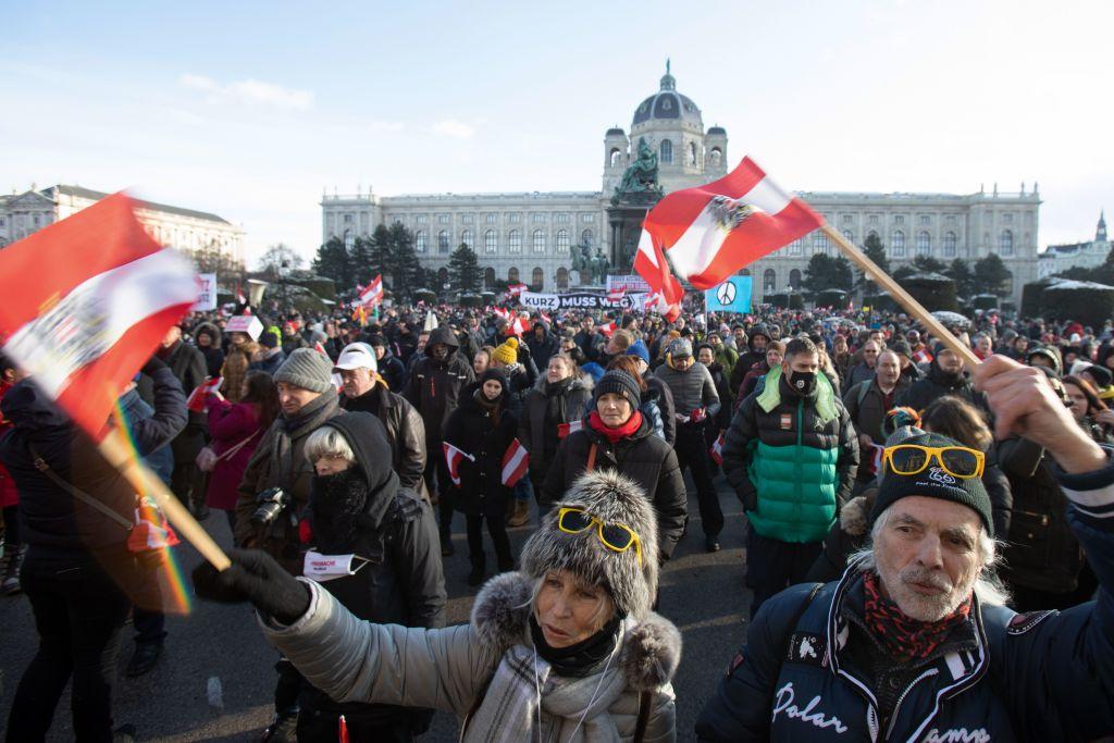 """Rückblick auf Wiener Demo: """"Wir sind an einer Kippe – entweder frei oder komplett versklavt"""""""