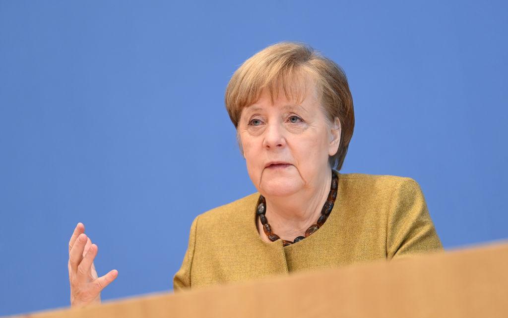 Merkel will Reiseverkehr durch schärfere Maßnahmen drosseln