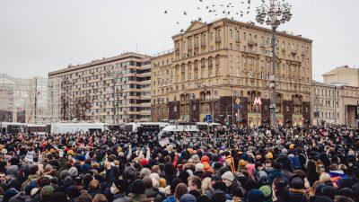 Nawalny: Polizeigewalt in St. Petersburg? – Über 3.300 Festnahmen – Proteste auch in Berlin