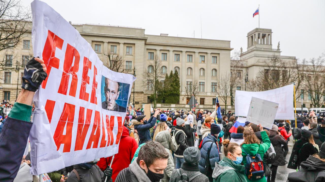 Russland: Putin weist persönlich Palast-Vorwürfe zurück – Nawalny-Vertraute rufen für Sonntag zu neuen Protesten auf