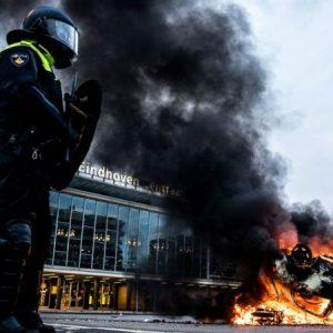Niederlande: Polizei geht massiv gegen Corona-Proteste vor