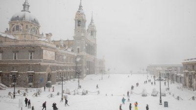 Madrid: Schwerster Wintersturm seit 50 Jahren – Schulen geschlossen