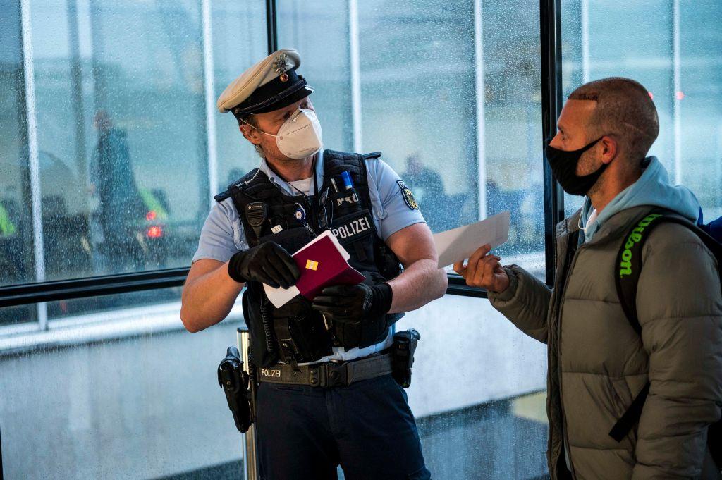 Bundespolizeipräsident kritisiert Corona-Kontrollen der Airlines