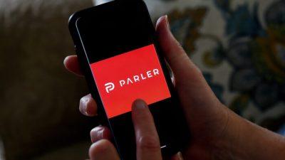 Parler hat offenbar neuen Host gefunden – Geschäftsführer schickt Botschaft an die Nutzer