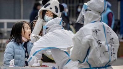 """""""Es fühlt sich an, als säße man im Gefängnis"""": Chinas drakonische Corona-Maßnahmen"""