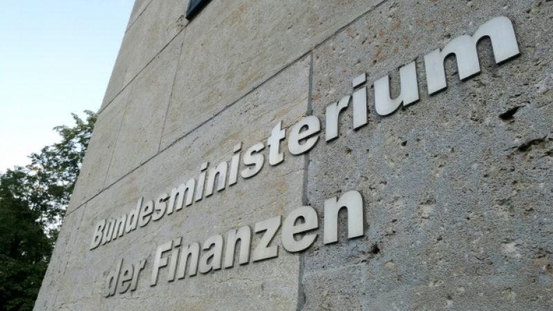 """Laschet bescheinigt Scholz """"Ladehemmung"""" bei Novemberhilfen"""