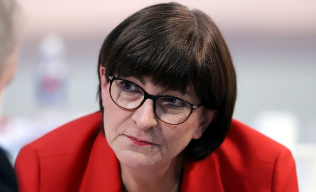 SPD-Chefin Esken verlangt Aufnahme von Flüchtlingen aus Bosnien in Deutschland