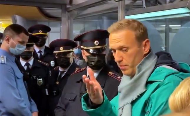 Nawalny in Moskau festgenommen: 30 Tage Haft – EU verurteilt Festnahme