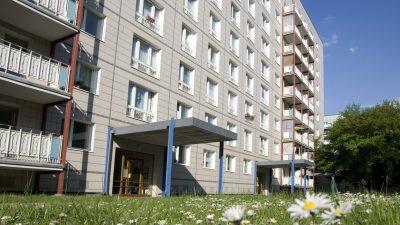 Zeugenaufruf: Mann stürzte in Memmingen von Hochhaus – Wer hat etwas gesehen?