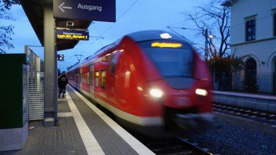 NRW: Polizisten und Reisende retten in Gleis gestürztes Kleinkind vor Zug
