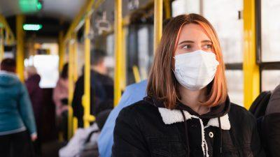 Maske auf und Klappe zu: Münchner Nahverkehrs-Chef fordert Schweigepflicht für Reisende