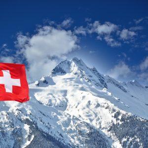 Ex-Pfizer-Verkäufer warnt: Keine Impfung, sondern Gen-Therapie – Schweizer Pflegekräfte organisieren sich