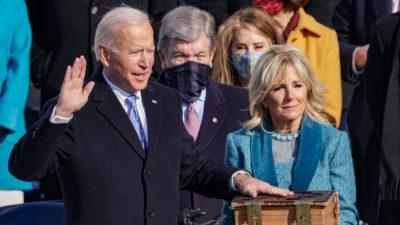 Biden will 1776-Kommission zur Förderung einer patriotischen Erziehung stoppen