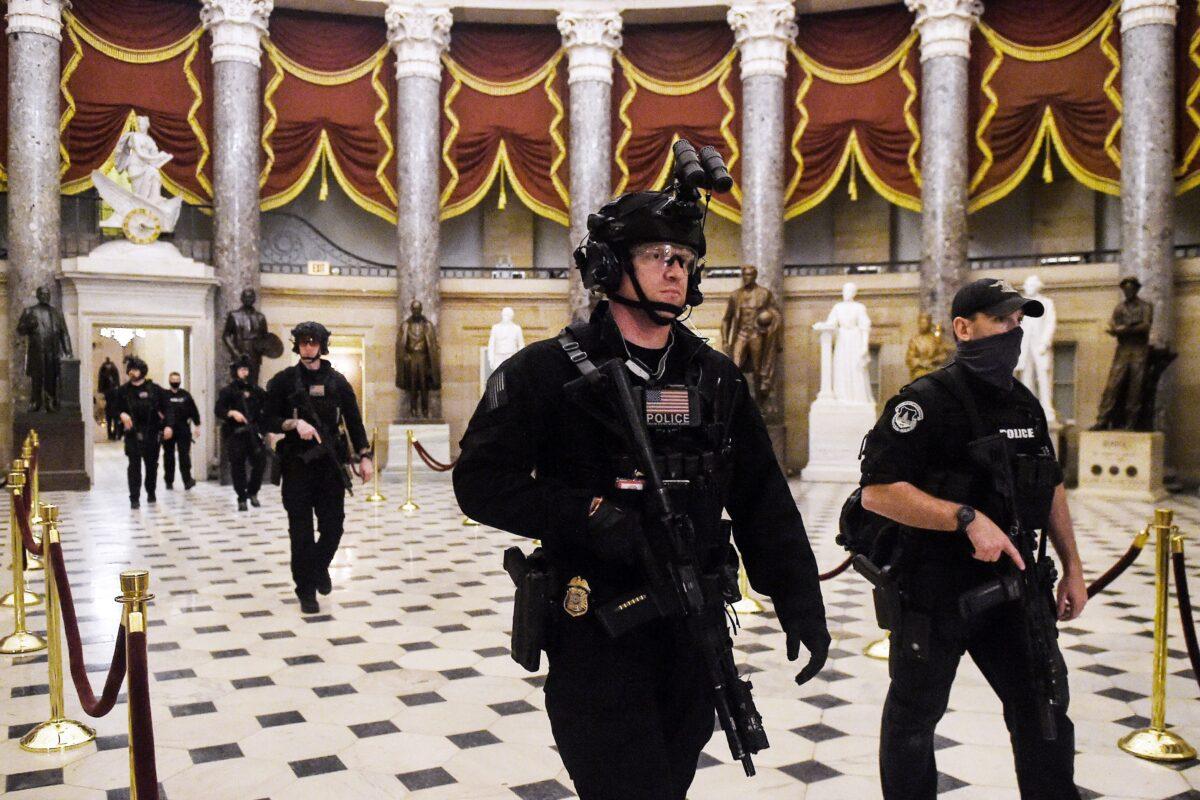 Nach Einbruch ins Kapitol: Abgeordnete üben Kritik an Polizei