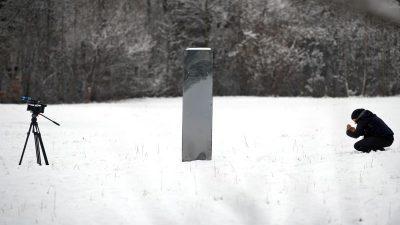 Weitere Metall-Stele taucht bei Toronto auf