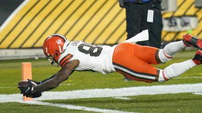 Coup in der NFL: Browns werfen Steelers aus Playoffs
