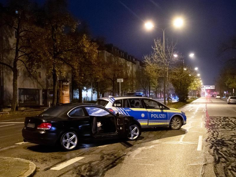 Verfolgungsjagd auf dem Kurfürstendamm – mehrere Verletzte nach Kollision mit Polizeiauto