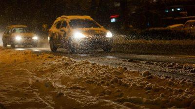 Schnee sorgt für Verkehrschaos im Südwesten – Frau von schneebeladenem Baum erschlagen