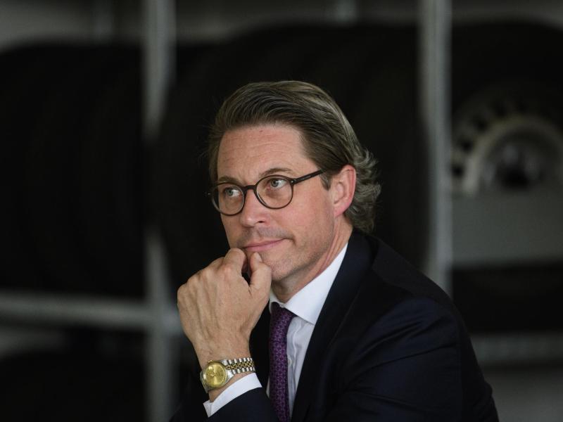 Verkehrsminister entschuldigt sich für Fiasko um gescheiterte Pkw-Maut