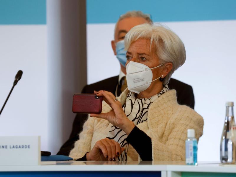 Europäische Zentralbank bleibt bei ultralockerer Geldpolitik – Corona-Hilfen nicht aufgestockt