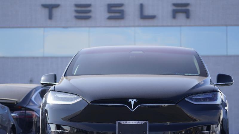 Tesla ruft in Deutschland 7.500 Fahrzeuge zurück