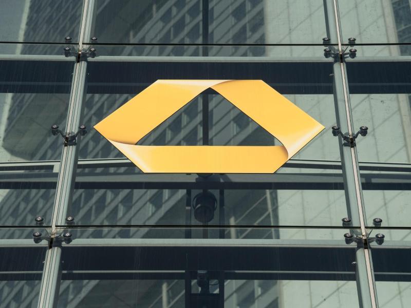 Commerzbank streicht 10.000 Jobs – Jeder dritte Arbeitsplatz in Deutschland betroffen