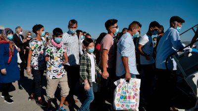 Bundespolizei stoppte an griechischen Flughäfen mehr als 5.200 Migranten