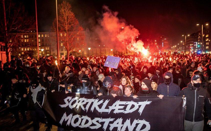 "Hunderte protestieren in Dänemark gegen Corona-Impfpass und Corona-""Diktatur"""