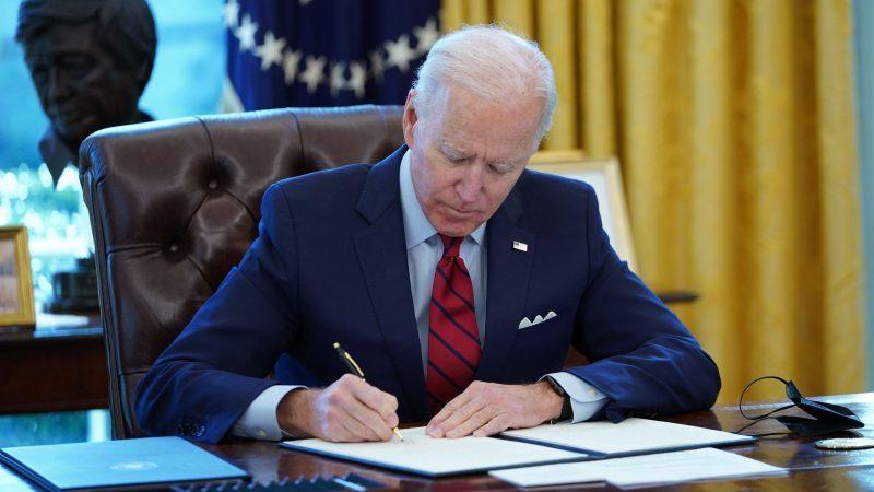 Biden will Einbürgerungsprozess für neun Millionen Migranten vereinfachen