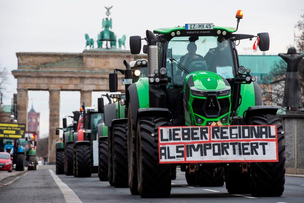 """Bauern-Widerstand 2021 in Berlin: """"Sie wollen uns weghaben, aber wir räumen das Feld nicht"""""""