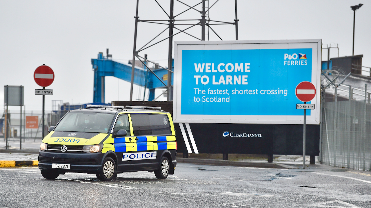 Nordirland: Warenkontrollen an Häfen vorübergehend wegen Drohungen gestoppt