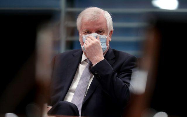 """Seehofers Lockdown-Auftrag – Opposition: """"Politik hat die Wissenschaft instrumentalisiert"""""""