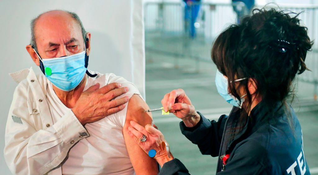 COVID-19 überlebt, nach der Impfung verstorben – Tod von Heimbewohnern in den USA wirft Fragen auf