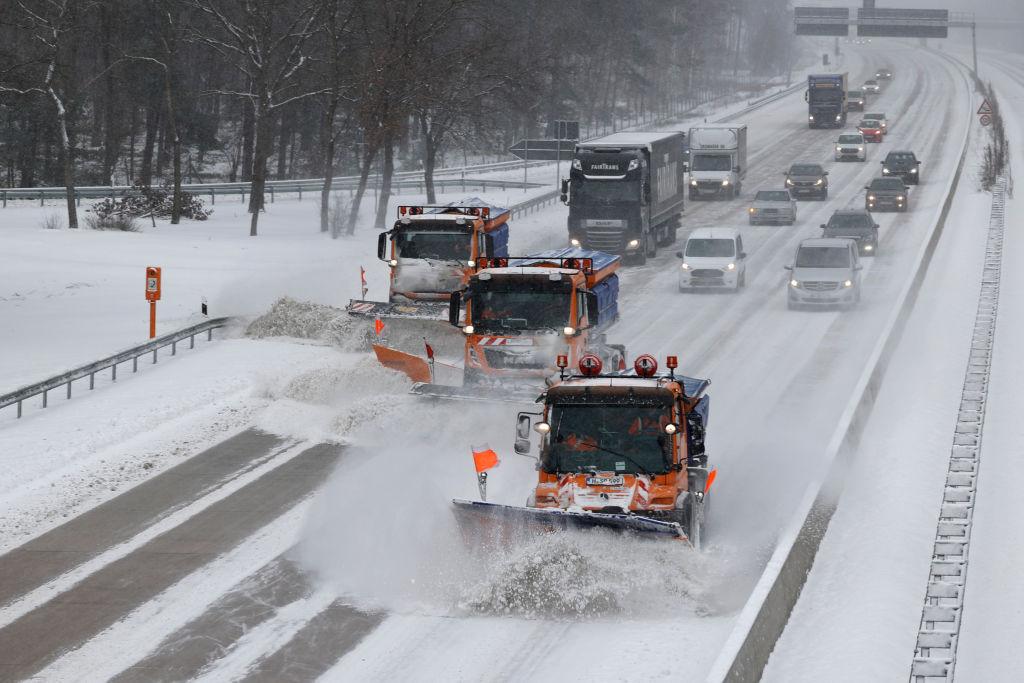 Frost bis -20 Grad: Weiterhin Probleme auf Straßen und bei der Bahn erwartet