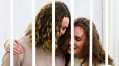 Umstrittener Strafprozess gegen zwei belarussische Journalistinnen begonnen