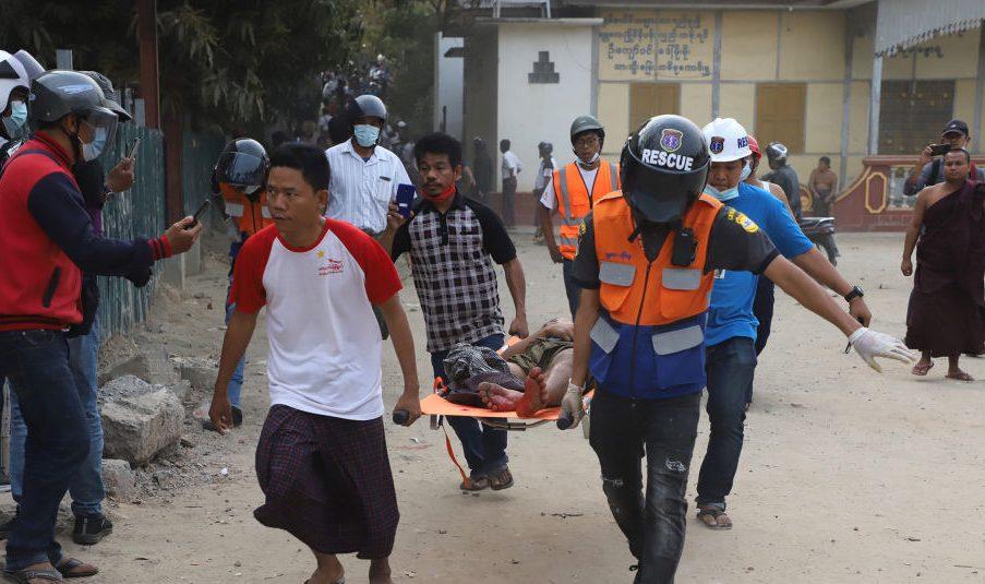Myanmar: Mit scharfer Munition gegen Demonstranten – Guterres verurteilt Gewalt, Facebook blockiert Seite